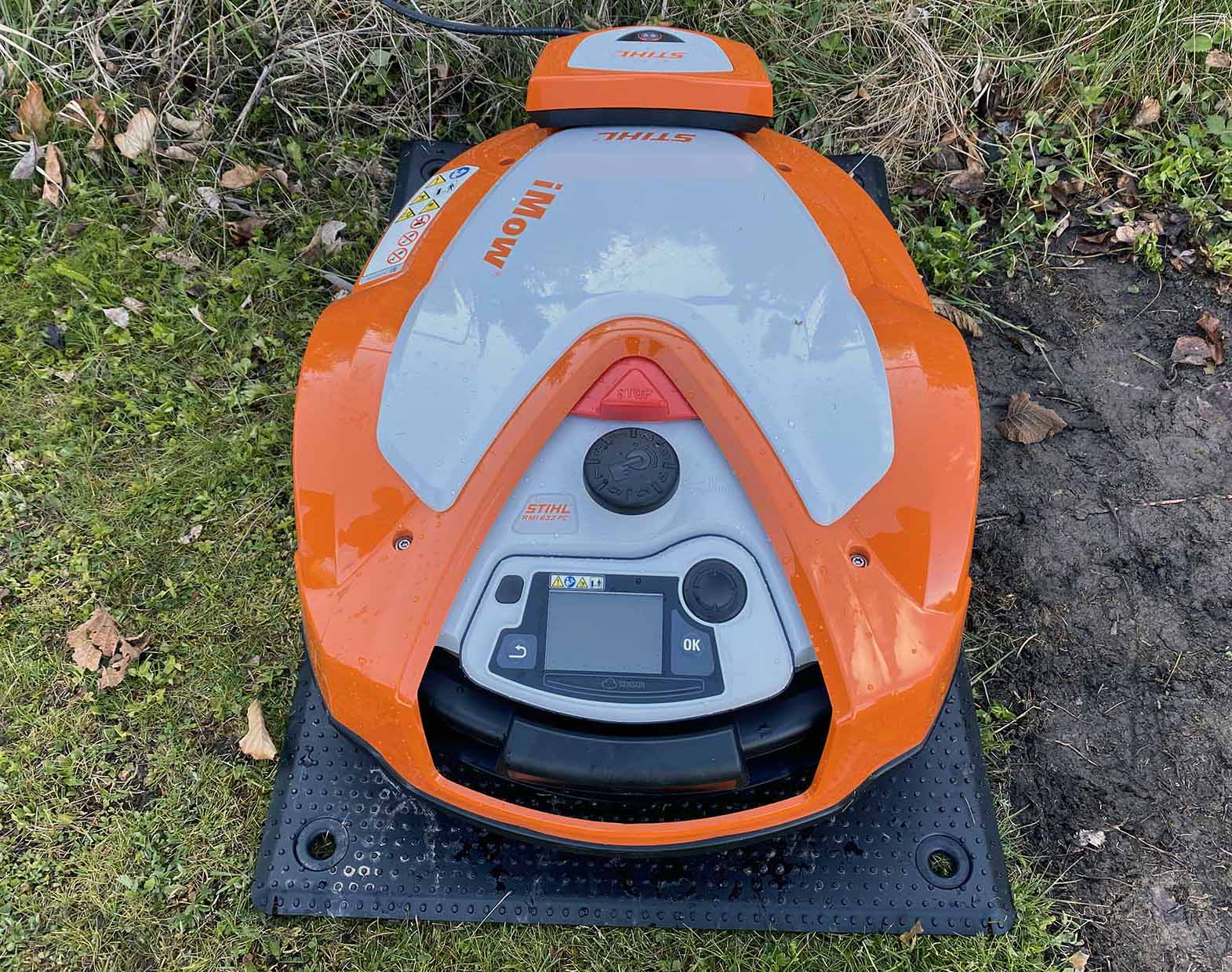 The Stihl RMI 632 PC is a relatively low and compact robotic lawn mower