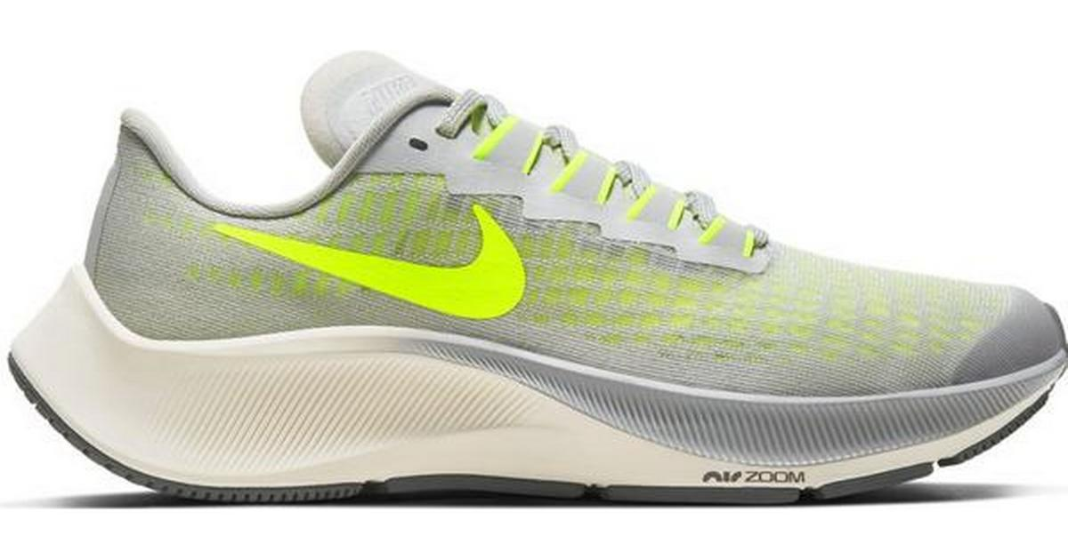 orificio de soplado Ministerio Reina  Nike Air Zoom Pegasus 37 GS - Grey Fog/Smoke Grey/Sail/Volt • Compare  prices »