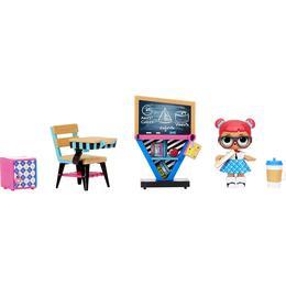 LOL Surprise Furniture Series 3 Classroom with Teachers Pet