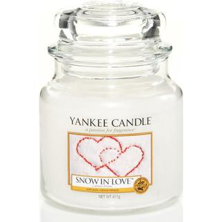 Yankee Candle Snow In Love Medium Scented Candles