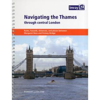 Navigating the Thames Through London (Bog, Paperback / softback)