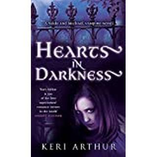 Hearts In Darkness: Number 2 in series (Bog, Paperback / softback)