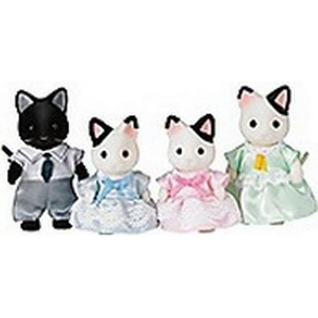 Sylvanian Families Marlowe Tuxedo Cat Family